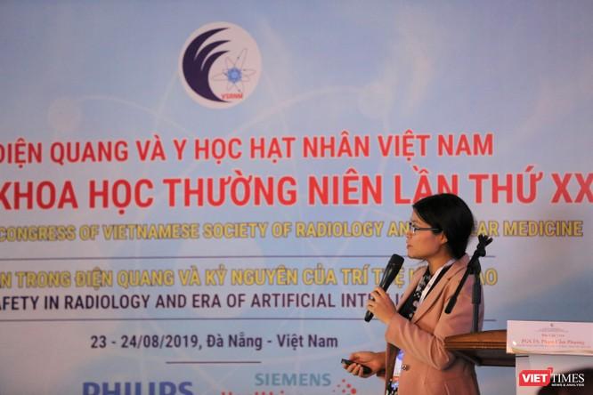 PGS.TS. Phạm Thị Cẩm Phương - Giám đốc Trung tâm Y học hạt nhân - Ung bướu (Bệnh viện Bạch Mai) thông tin về nhứng kết quả mới trong điều trị ung thư