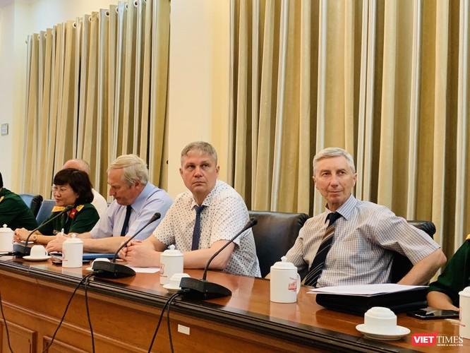 Các nhà khoa học Nga