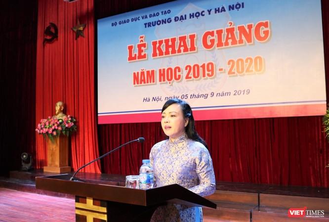 Bộ trưởng Bộ Y tế Nguyễn Thị Kim Tiến phát biểu tại lễ khai giảng