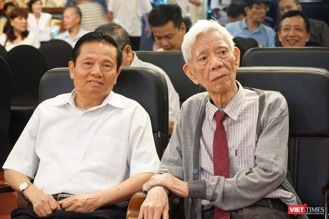 Ông Nguyễn Đình Hương và ông Lê Doãn Hợp – Chủ tịch danh dự Hội Truyền thông số Việt Nam, nguyên Bộ trưởng Bộ Thông tin và Truyền thông