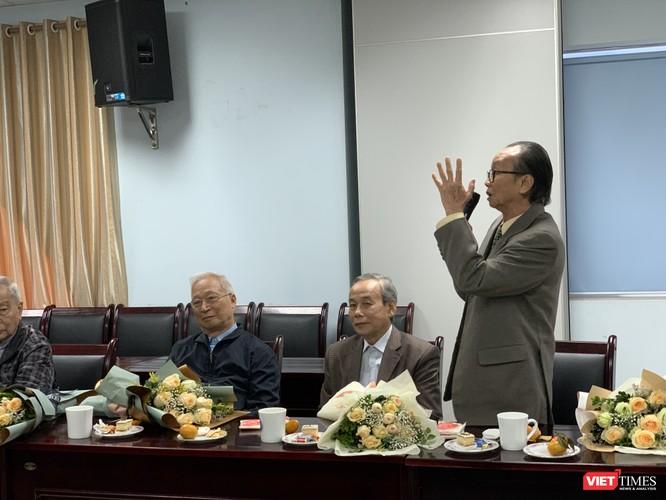 Các thế hệ giáo sư đi trước phát biểu ghi nhận sự trưởng thành vượt bậc của Trường Đại học Y Hà Nội thời gian qua