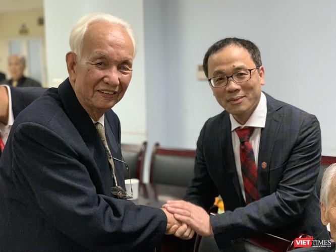 Hơn 40 giáo sư hàng đầu của y tế Việt Nam dự lễ tri ân đặc biệt nhân ngày 20/11 ảnh 10
