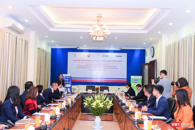 Nhiều nhà khoa học đã dự lễ ký kết chuyển giao công nghệ đầu tiên của Trường Đại học Y Hà Nội