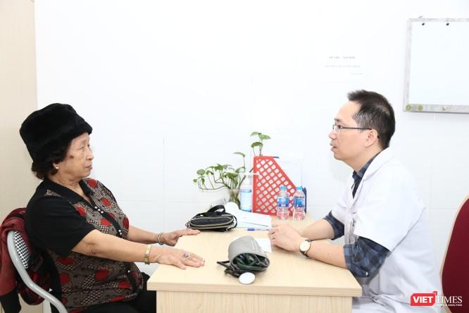Hàng trăm người được khám miễn phí để dự phòng tai biến mạch máu não ảnh 2