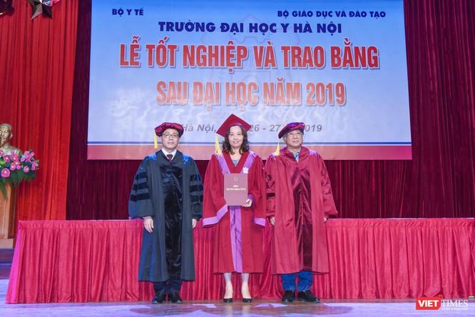 Trao Bằng tốt nghiệp cho gần 800 tân bác sĩ chuyên khoa cấp II và thạc sĩ được đào tạo theo hướng chuẩn quốc tế ảnh 5