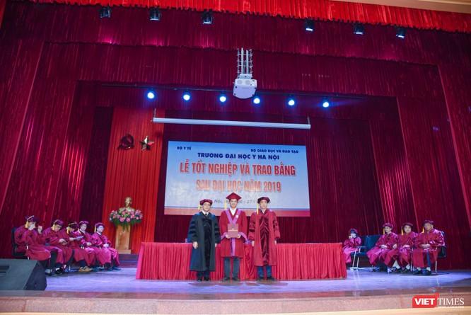 Trao Bằng tốt nghiệp cho gần 800 tân bác sĩ chuyên khoa cấp II và thạc sĩ được đào tạo theo hướng chuẩn quốc tế ảnh 7