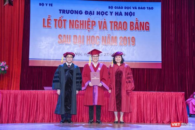 Trao Bằng tốt nghiệp cho gần 800 tân bác sĩ chuyên khoa cấp II và thạc sĩ được đào tạo theo hướng chuẩn quốc tế ảnh 8