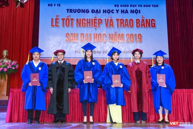 Trao Bằng tốt nghiệp cho gần 800 tân bác sĩ chuyên khoa cấp II và thạc sĩ được đào tạo theo hướng chuẩn quốc tế ảnh 10