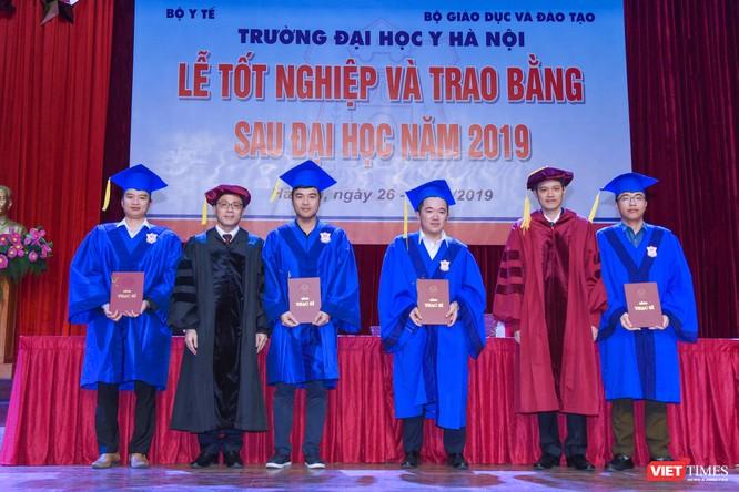Trao Bằng tốt nghiệp cho gần 800 tân bác sĩ chuyên khoa cấp II và thạc sĩ được đào tạo theo hướng chuẩn quốc tế ảnh 12