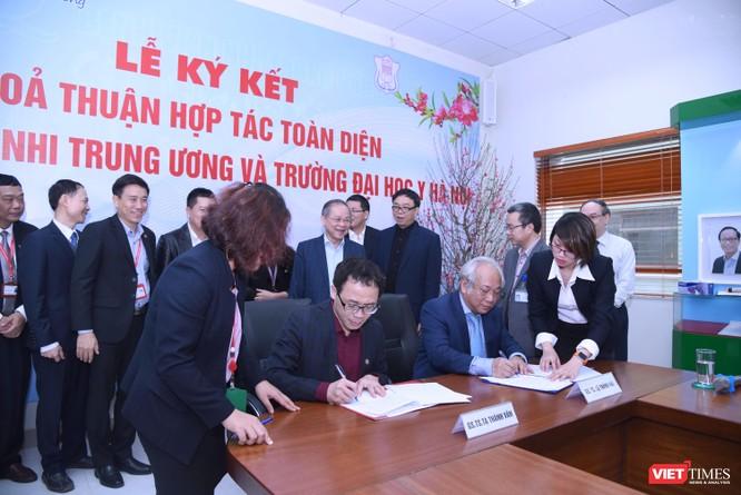 Lễ ký kết diễn ra với sự chứng kiến của lãnh đạo 2 đơn vị