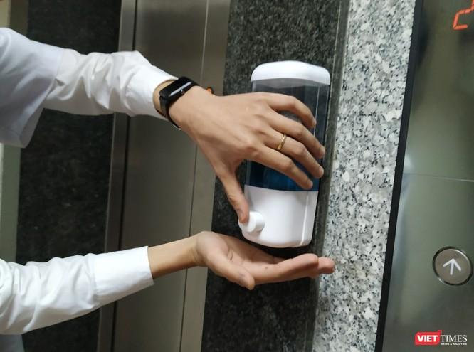 Mách bạn cách chọn loại nước rửa tay khô chống dịch bệnh virus Corona ảnh 1
