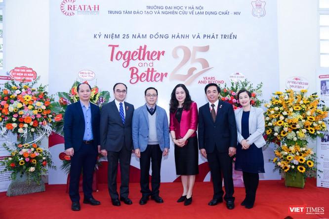 Cung cấp nhiều bằng chứng khoa học để ứng phó với dịch HIV ở Việt Nam ảnh 6