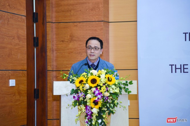 GS.TS. Tạ Thành Văn - Bí thư Đảng ủy, Hiệu trưởng Trường Đại học Y Hà Nội phát biểu chỉ đạo tại buổi lễ