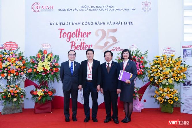 Cung cấp nhiều bằng chứng khoa học để ứng phó với dịch HIV ở Việt Nam ảnh 7