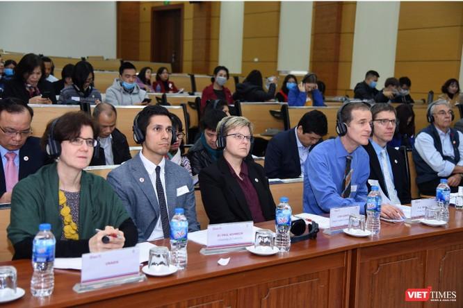 Các đại biểu tham dự hôi thảo