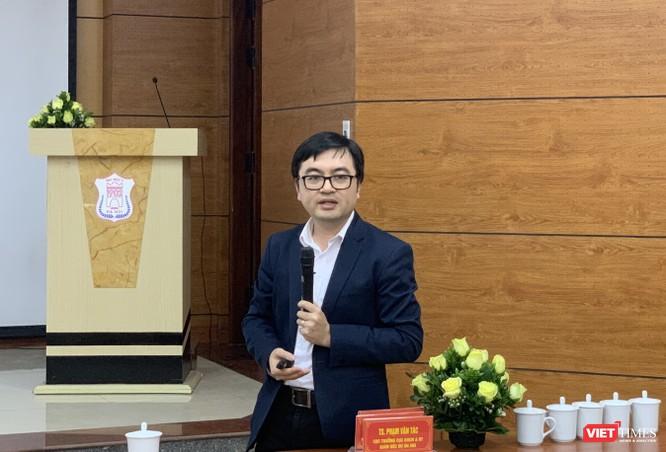 Bác sĩ Vũ Quốc Đạt - giảng viên bộ môn Truyền nhiễm, Trường Đại học Y Hà Nội, thành viên Mạng lưới đánh giá và ứng phó về lâm sàng các bệnh mới nổi của WHO