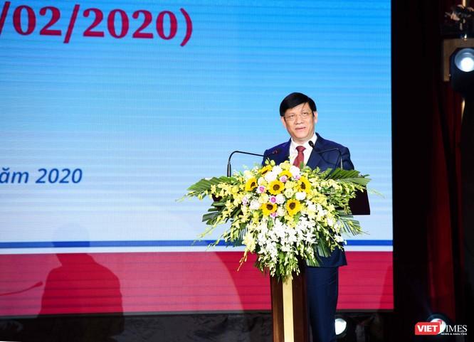 Thứ trưởng Bộ Y tế Nguyễn Thanh Long phát biểu tại buổi lễ