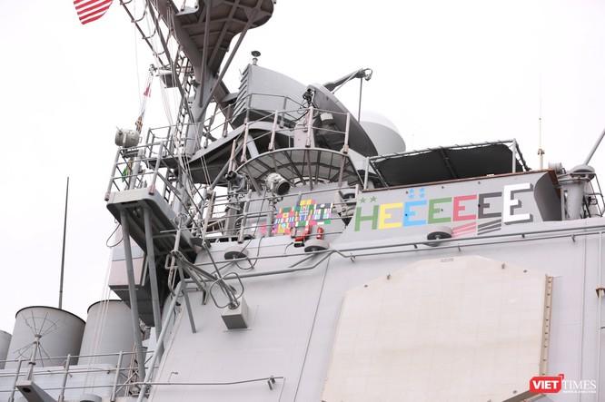 """""""Đột nhập"""" tuần dương hạm USS Bunker Hill vừa cập cảng Đà Nẵng ảnh 10"""