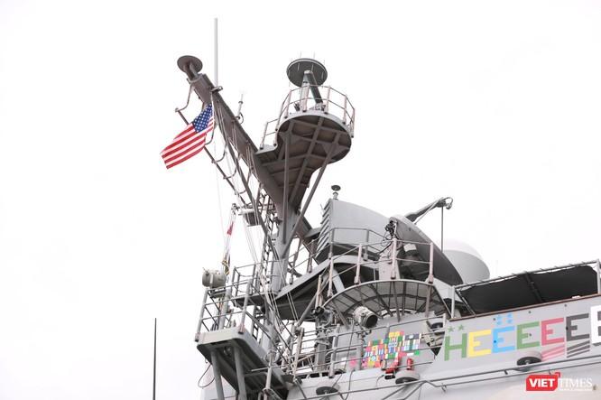 """""""Đột nhập"""" tuần dương hạm USS Bunker Hill vừa cập cảng Đà Nẵng ảnh 11"""
