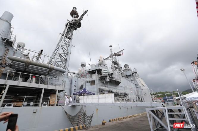 """""""Đột nhập"""" tuần dương hạm USS Bunker Hill vừa cập cảng Đà Nẵng ảnh 4"""