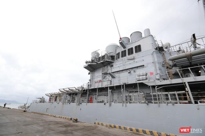 """""""Đột nhập"""" tuần dương hạm USS Bunker Hill vừa cập cảng Đà Nẵng ảnh 5"""