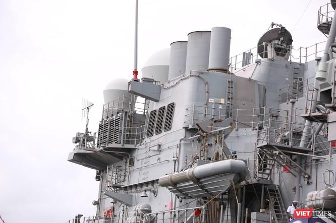 """""""Đột nhập"""" tuần dương hạm USS Bunker Hill vừa cập cảng Đà Nẵng ảnh 8"""