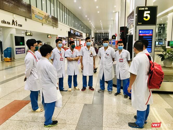 Bộ Y tế chỉ định Trường Đại học Y Hà Nội lấy mẫu và xét nghiệm COVID-19 cho người nhập cảnh từ châu Âu, Anh và Mỹ ảnh 8