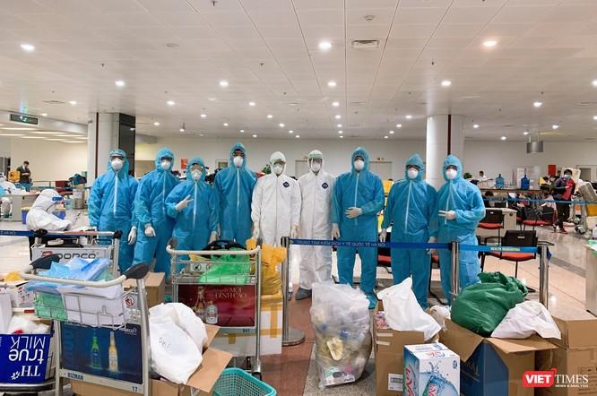 Bộ Y tế chỉ định Trường Đại học Y Hà Nội lấy mẫu và xét nghiệm COVID-19 cho người nhập cảnh từ châu Âu, Anh và Mỹ ảnh 7