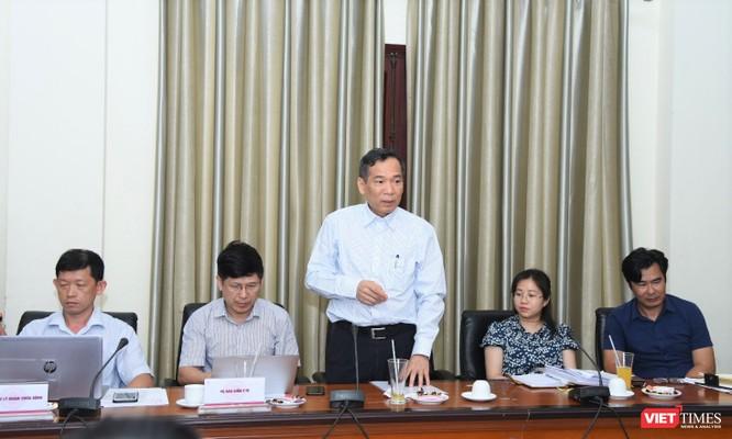 Đại diện các vu, cục của Bộ Y tế phát biểu tại buổi làm việc