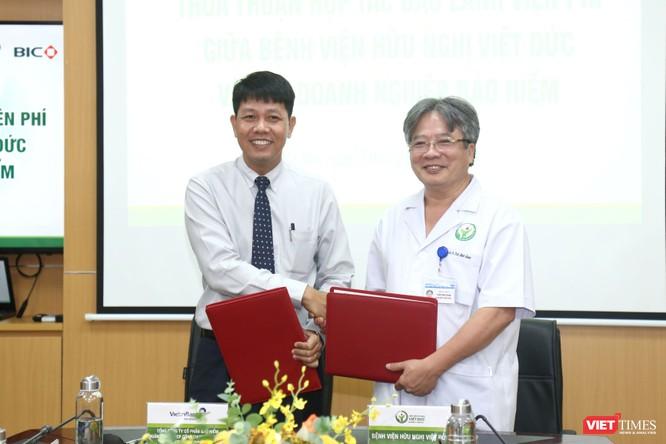 Giám đốc BV Hữu nghị Việt Đức ký thỏa thuận bảo lãnh viện phí với 3 đơn vị bảo hiểm