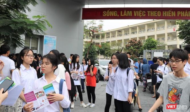 Trước giờ thi (ảnh: Minh Thúy)