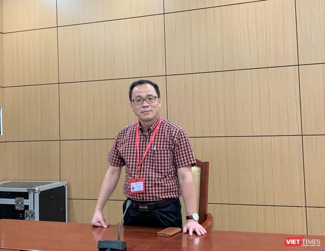 1. GS. TS. Tạ Thành Văn – Hiệu trưởng Trường Đại học Y Hà Nội hy vọng các cán bộ của Trường sẽ góp phần vào khống chế dịch COVID-19