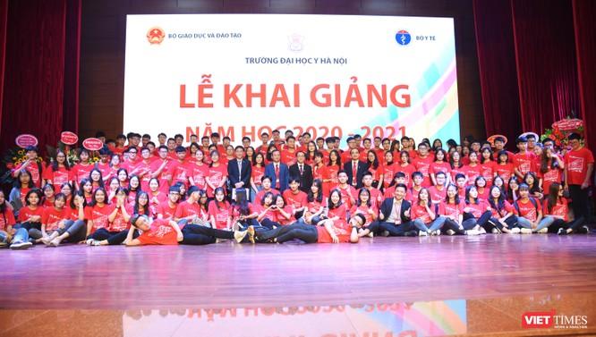 Khai giảng năm học mới, Trường Đại học Y Hà Nội kêu gọi thầy và trò ủng hộ đồng bào miền Trung ảnh 7