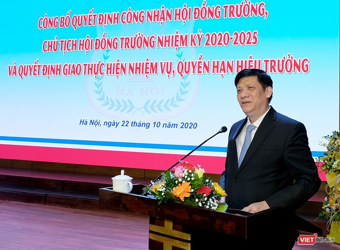 GS.TS. Tạ Thành Văn trở thành Chủ tịch Hội đồng trường đầu tiên của Trường Đại học Y Hà Nội ảnh 1