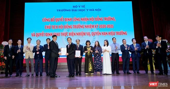 GS.TS. Tạ Thành Văn trở thành Chủ tịch Hội đồng trường đầu tiên của Trường Đại học Y Hà Nội ảnh 2