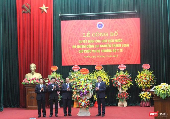 Thủ tướng Nguyễn Xuân Phúc trao quyết định Bộ trưởng Bộ Y tế cho GS.TS. Nguyễn Thanh Long ảnh 4