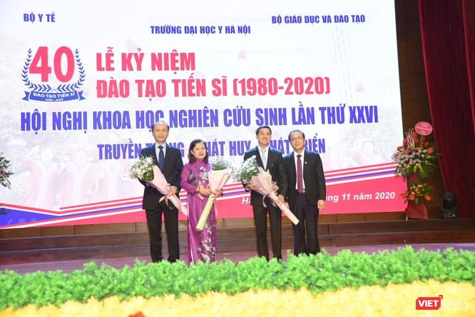 Sau 40 năm, Đại học Y Hà Nội đã đào tạo 1.440 tiến sĩ, cung cấp nguồn nhân lực tinh hoa cho nước nhà ảnh 3