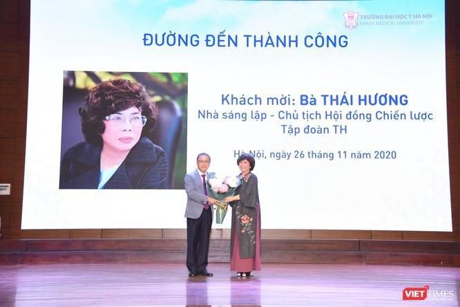 2 người phụ nữ quyền lực giao lưu với thầy và trò Trường Đại học Y Hà Nội ảnh 3