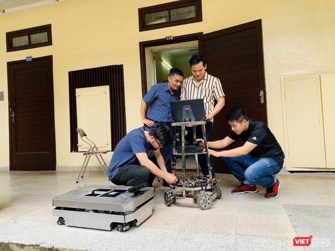 Việt Nam nghiên cứu virus SARS-CoV-2 bằng vật lý sinh học tính toán để tìm thuốc điều trị Covid-19 ảnh 6