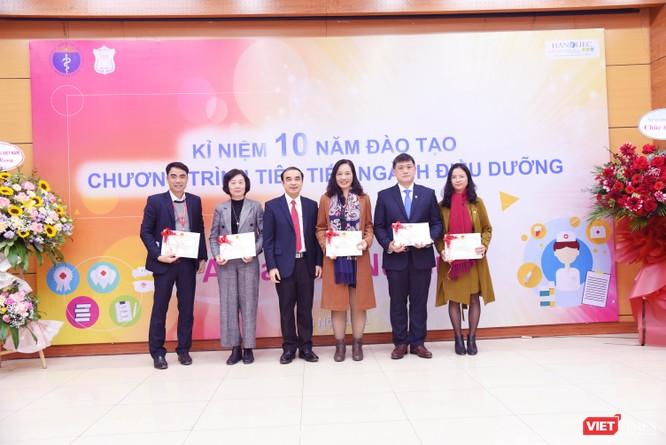 Điều dưỡng do Trường Đại học Y Hà Nội đào tạo được các bệnh viện lớn ở châu Âu hào hứng đón nhận ảnh 6