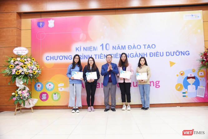 Điều dưỡng do Trường Đại học Y Hà Nội đào tạo được các bệnh viện lớn ở châu Âu hào hứng đón nhận ảnh 7