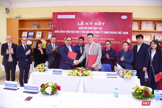 Bệnh viện Đại học Y Hà Nội khai trương Đơn vị Xét nghiệm Kỹ thuật cao, áp dụng công nghệ tiên tiến ảnh 3