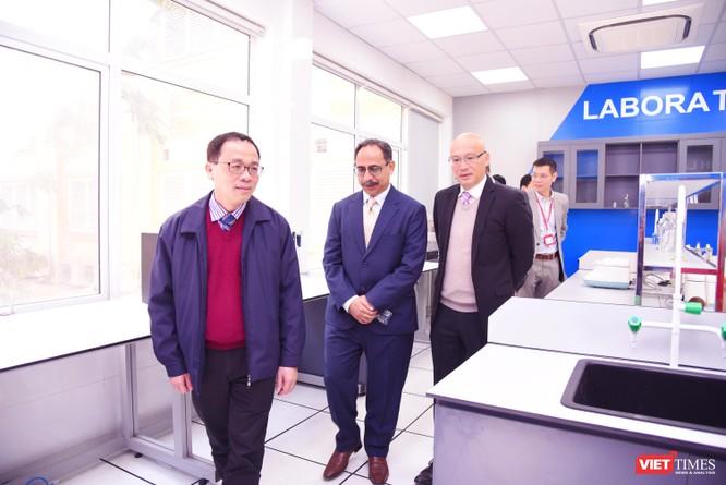 Bệnh viện Đại học Y Hà Nội khai trương Đơn vị Xét nghiệm Kỹ thuật cao, áp dụng công nghệ tiên tiến ảnh 2
