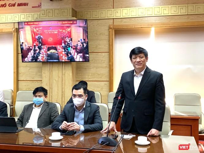 Bộ trưởng Nguyễn Thanh Long tiếp nhận 21 tỉ đồng hỗ trợ mua vaccine phòng dịch COVID-19 ảnh 1