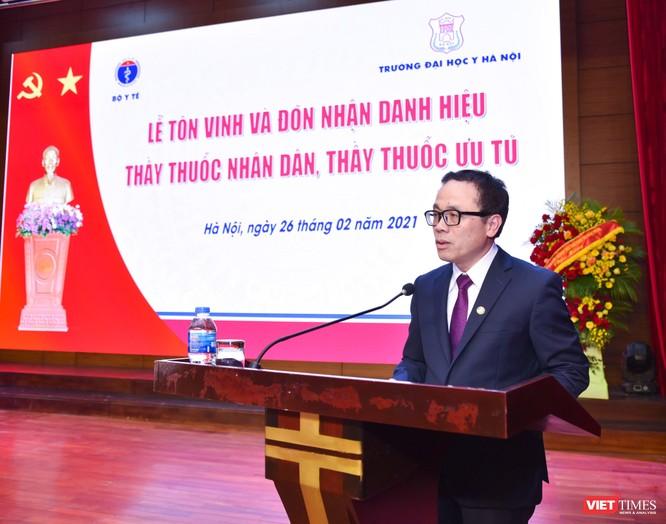 Trường Đại học Y Hà Nội: Đón nhận danh hiệu Thầy thuốc Nhân dân, Thầy thuốc ưu tú cho 22 giảng viên ảnh 1