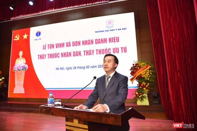 Trường Đại học Y Hà Nội: Đón nhận danh hiệu Thầy thuốc Nhân dân, Thầy thuốc ưu tú cho 22 giảng viên ảnh 5