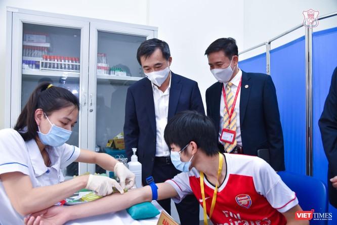 Chính thức tiêm thử nghiệm vaccine COVID-19 do Việt Nam nghiên cứu và sản xuất tại Đại học Y Hà Nội ảnh 7