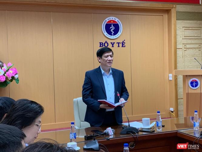 Dịch COVID-19 ở nước láng giềng căng thẳng, Bộ Y tế họp khẩn với 63 tỉnh thành ảnh 1