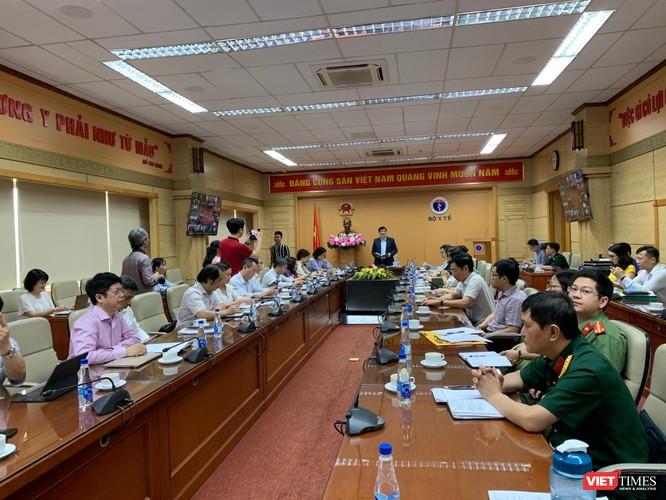 Dịch COVID-19 ở nước láng giềng căng thẳng, Bộ Y tế họp khẩn với 63 tỉnh thành ảnh 3