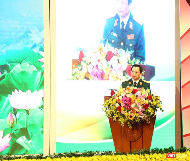 Tổng Bí thư Nguyễn Phú Trọng dự lễ đón danh hiệu Anh hùng lần thứ 3 của BV Trung ương Quân đội 108 ảnh 3